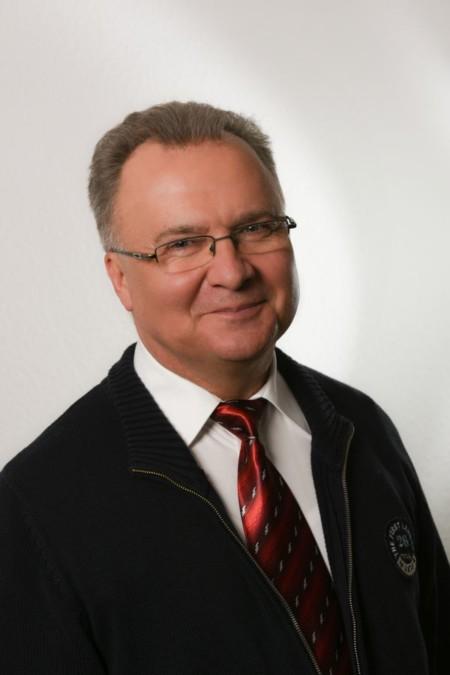 Helmut Süß